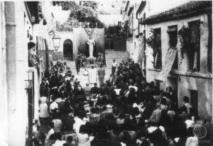 Festividad Virgen de Gracia, 15 de agosto de 1958. Vista general de calle Agua de la misa de campaña.