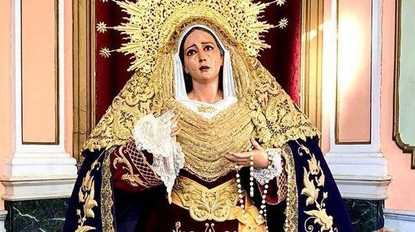La Virgen de Gracia luce la Venera de Oro del Consejo General de Enfermería en reconocimiento a la labor de este colectivo durante la pandemia