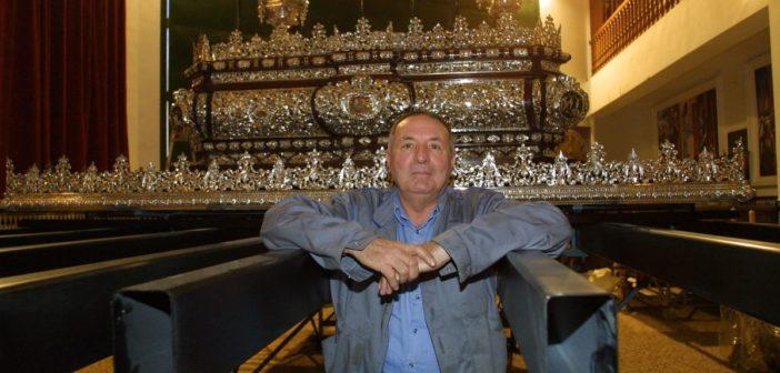Fallece Antonio Cabra, cofrade malagueño y precursor de los varales telescópicos